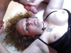Толстая зрелая бабища трахается с большим молодым хуем
